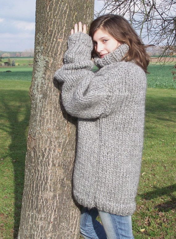 To order 25kg Chunky knit iclandic Lopi wool turtleneck