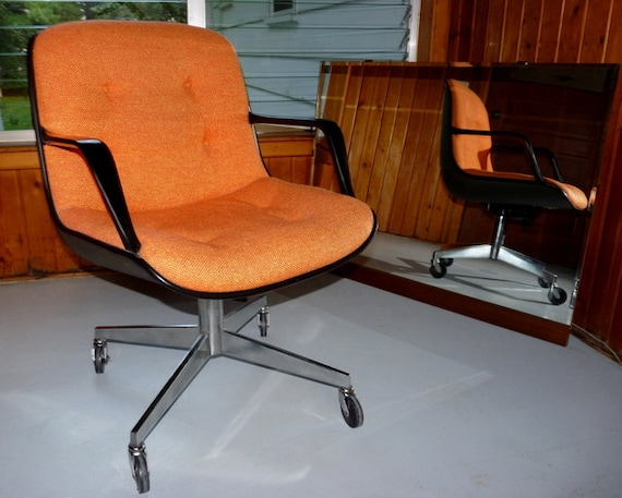 Pollock office chair by Knoll