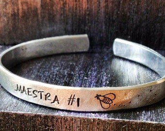 "Engraved bracelet, Personalized Bracelet, Teacher, Cuff Bracelet, quote bracelet, teacher bracelet, teacher gift, Maestra 1/4"""