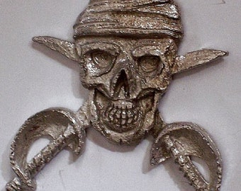 Pirates Skull and Crossbones Sword and Pistol               2 out of 6  hand carved  New Design