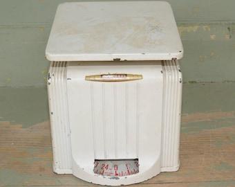 Vintage  Kitchen Scale Universal Art Deco