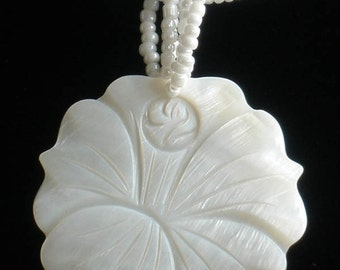 Natural Mother of Pearl MOP Shell Carved Flower Pendant Necklace GC1024