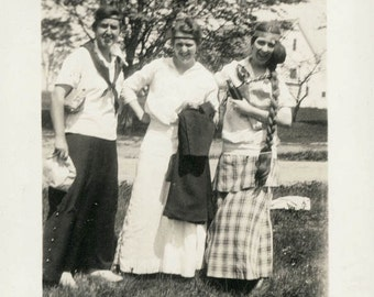 vintage photo 1915 Thickest and Longest Braid 3 sisters out for fun