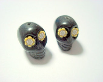 Black and Yellow Flower Eyes in Day of The Dead Sugar Skull 18mm Beads