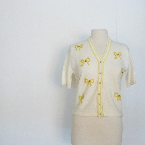 Vintage 50s Cardigan / 1950s Sweater / Bow Print Cardigan / Medium M