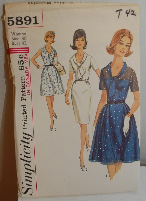 Vintage 1960s Women's Dress with Two Skirts Sewing Pattern Simplicity 5891