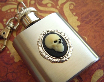 Miniature Skull Flask Keychain Zombie Skeleton Head 1 Ounce  Miniature Size Gothic Victorian Steampunk