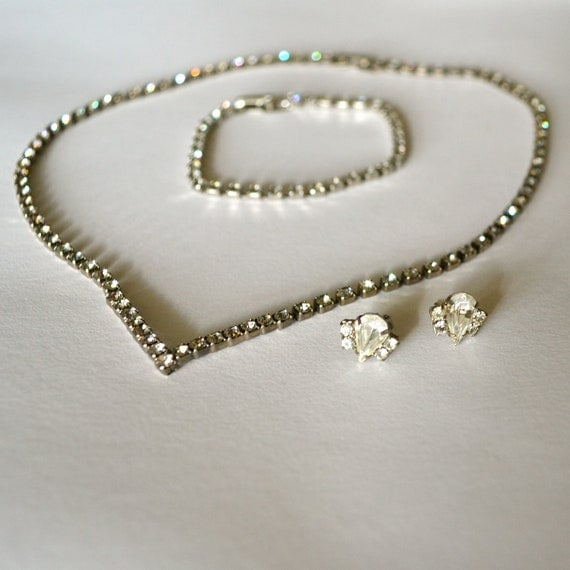 Vintage SET Art Deco Rhinestone Silver V-Necklace, Earrings and Bracelet