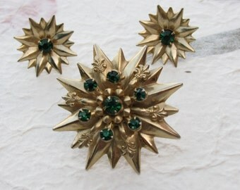 Starburst Brooch with Green Rhinestones and Fleur de lis