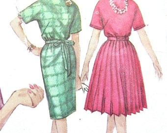 ON SALE Vintage Simplicity 4116 OnePiece Dress Pattern Sewing Pattern  Bust 32 or  38 inches