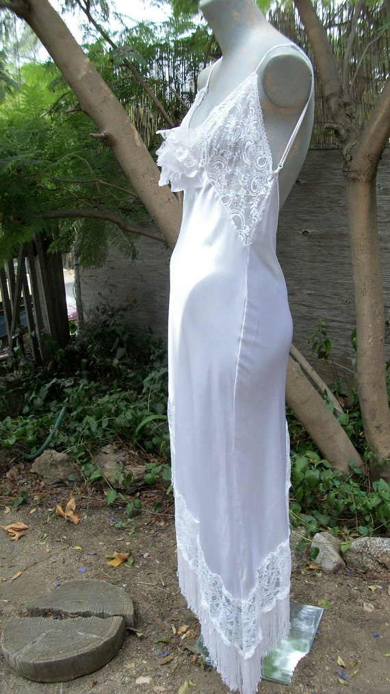 Gorgegous 1920s Style Pure White Satiny Flapper Slip Dress so Jean Harlow Excellent Condition Looks Never Worn Size Medium 8-12
