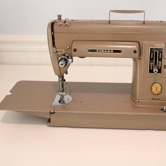 Vintage Singer Portable Sewing Machine, 301a slant needle,