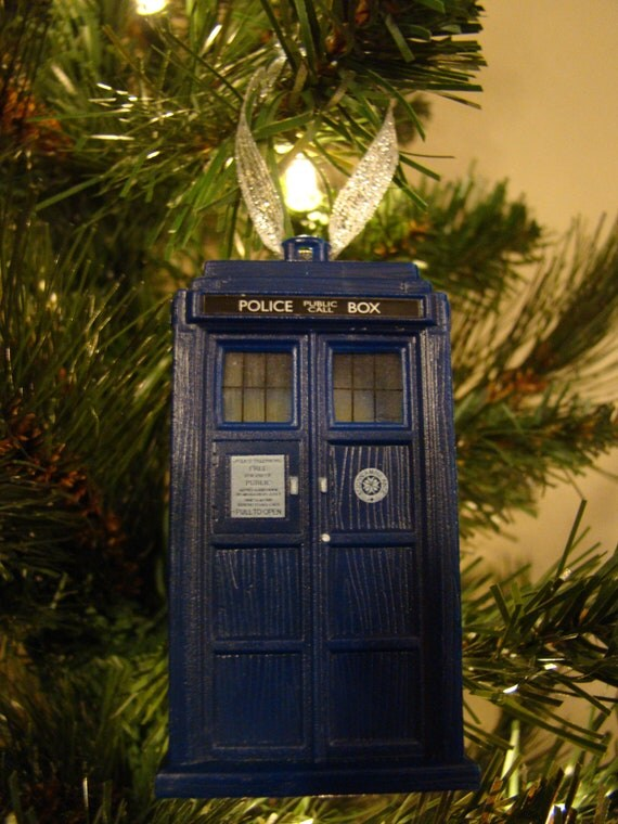 Doctor Who TARDIS Christmas Tree Ornament by 2PeasCreations