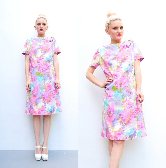 70s Shift Dress - Vibrant Floral Print Dress - 1970s Hot Pink Bow Neck Retro Dress - Mod Shift Dress - Spring Summer - S M 6 8