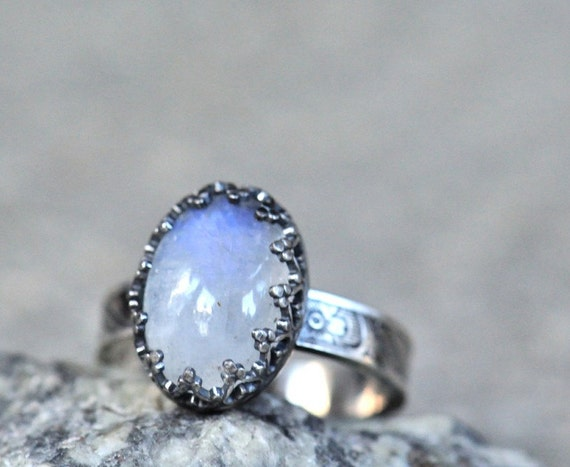 Moonstone ring sterling silver. Blue flash rainbow moonstone. Textured band. Size 6.5