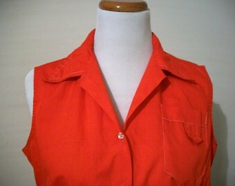 Vintage 70s 80s red sleeveless top with contrast stitching - size Large - FREE shipping worldwide