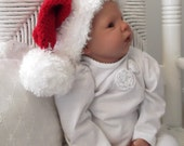 Crochet Baby Santa Hat....Christmas...PHOTOGRAPHERS...0 to 3 Month Baby..Boy or Girl....Red & White with Pom Pom