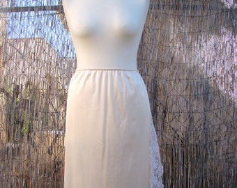 Vintage / Cream / Chantilly / Maidenform / Slip Skirt / MEDIUM