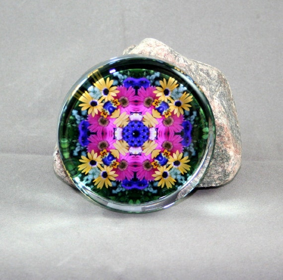 Daisy Glass Paperweight Boho Chic Mandala New Age Sacred Geometry Hippie Kaleidoscope Unique Boss Gift Teacher Gift Mod Gypsy Daisy Delight