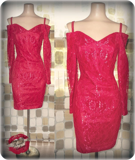 Vintage 80s RED Lace SWEETHEART Mini Party Dress sz 7 Sexy Avant Garde Boned off Shoulder Body Con 7/8