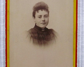 Antique French Photo / Carte de Visite (CDV) - Young Woman