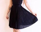 1960s vintage // classic little black dress NWT // xs