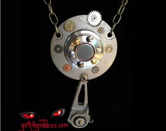 Steampunk Time Travel and Distortion Necklace Device