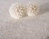 CYBER MONDAY Dahlia Post Earrings in Cream