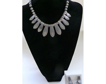 Vintage Napier Exotic Asian Celtic Silver Tone Necklace and Earrings Set
