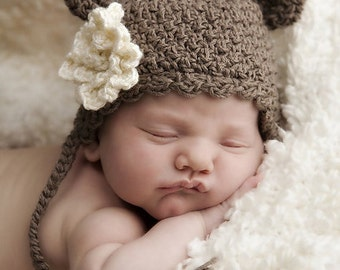 Little Bear Hat with Optional Flower Crochet Pattern (427)
