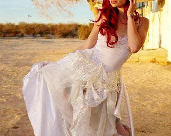 Wedding Dress - Steampunk Lady White Wedding Dress