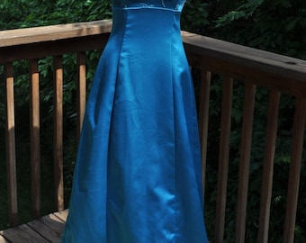 1980s teal bridesmaid gown. low-cut evening wear. size 5/6 full-length prom dress. vintage ball gown