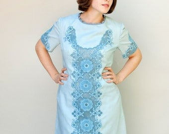 Vintage 1960s Dress - Lattice - Robins Egg Blue Mod Dress with Lace Lattice Work