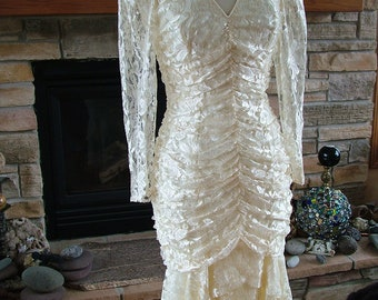 Wedding dress vintage 1980s does vintage 1920s flapper bridal gown lace dress