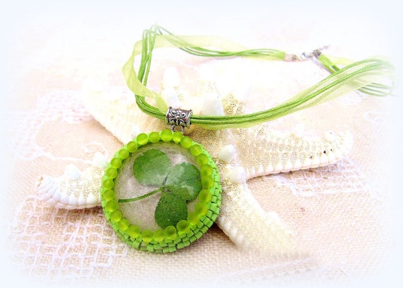 Resin necklace, botanical jewelry, real leaf, lucky clover, green, clear, irish, St Patrick, meadow, spring, leaf pendant, nature