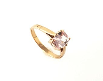 handmade Setting 14k gold with with a  Sapphire from our collection  P-031