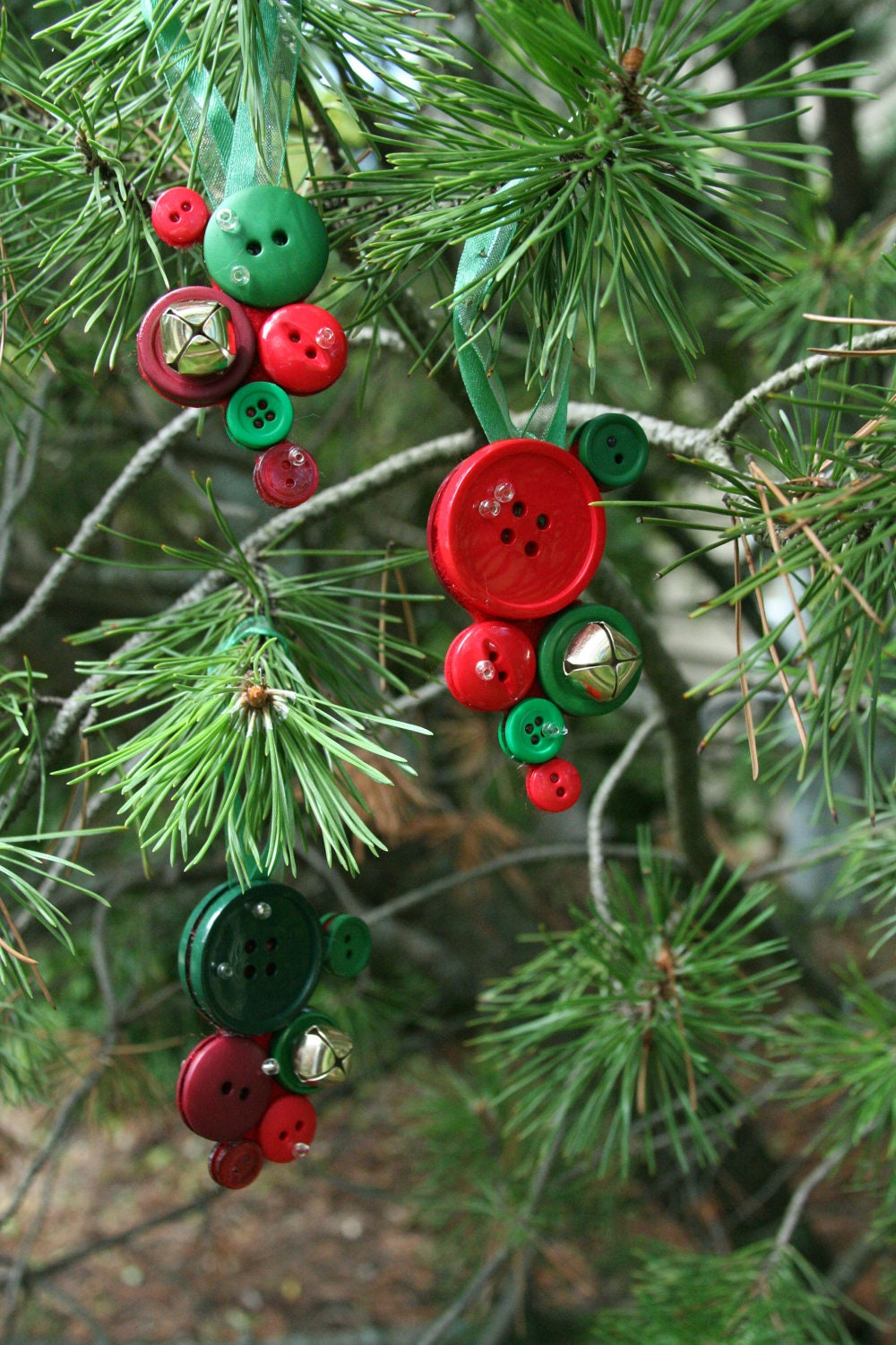 Christmas button decorations made with jingle bells and