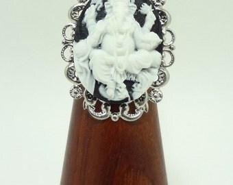 Ganesh Elephant Ring Cameo Style in Black and White On  Adjustable Silver Filigree Band