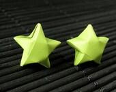 Boucles d'oreilles étoiles. Boucles d'oreilles étoiles verts lime. Boucles d'oreilles origami Star. Boucles d'oreilles étoiles de papier. Boucles d'oreilles argent Post. Boucles d'oreilles. Oragami bijoux.