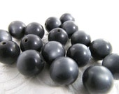 30 Vintage 10mm Charcoal Gray Moonglow Lucite Beads Bd234