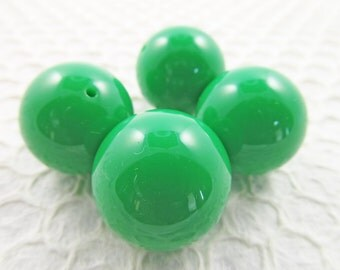 6 Vintage 24mm Kelly Green Round Lucite Beads BD410