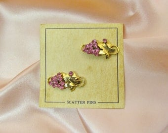 Pair of 1950's scatter pins with pink rhinestones, set of 2 small pins on original card