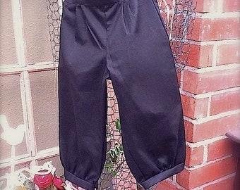 One size fits 4-6yrs old , little boys black COTTON knicker pants, newspaper boy pants,golf knickers for little boys.