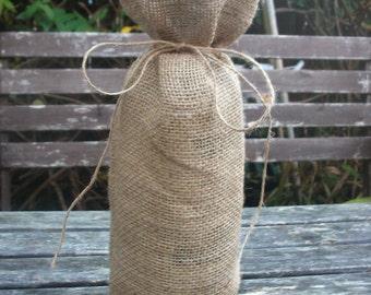 Burlap wine bag, rustic  wine bottle gift wrap