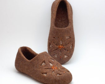 Woolen slippers with Baltic amber - Folk ornaments organic felted wool house shoes - felt wool slippers