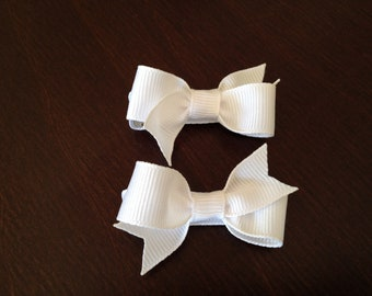 Cute small white hair bows - white bows, girls hair bows, baby bows, toddler bows, small bows, girls bows, hair clips
