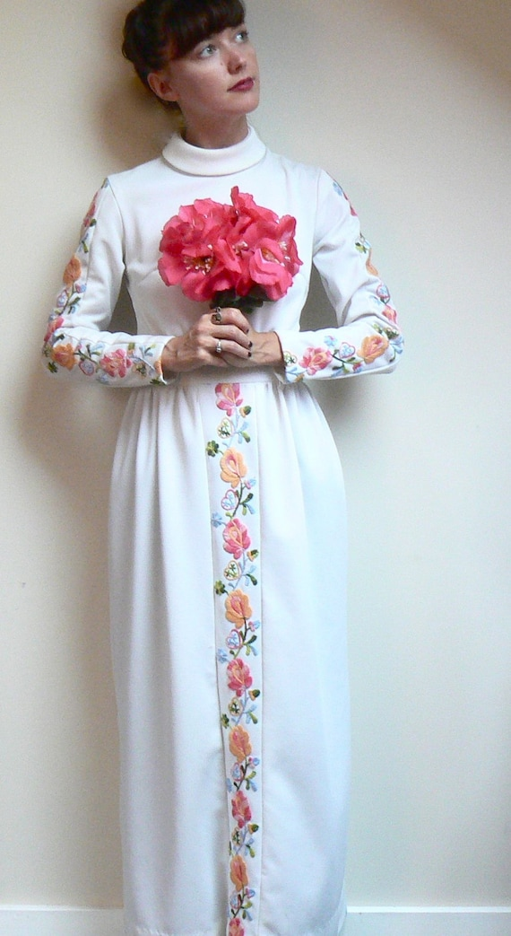 Items similar to adorable vintage mexican style for Mexican style wedding dress
