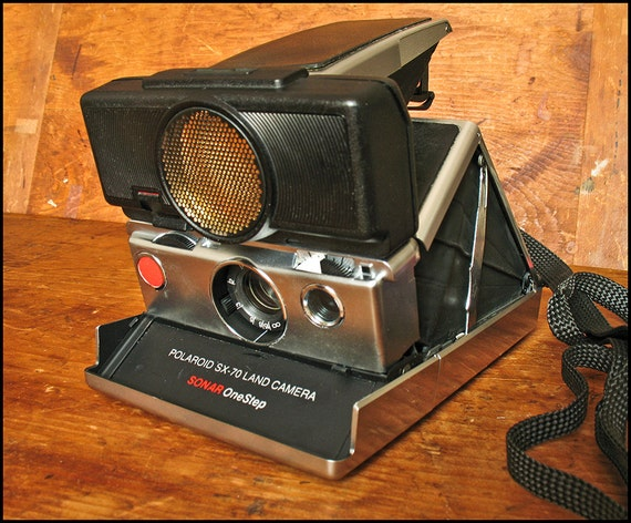 Vintage Working Polaroid SX-70 Sonar OneStep Camera with Free Domestic Shipping