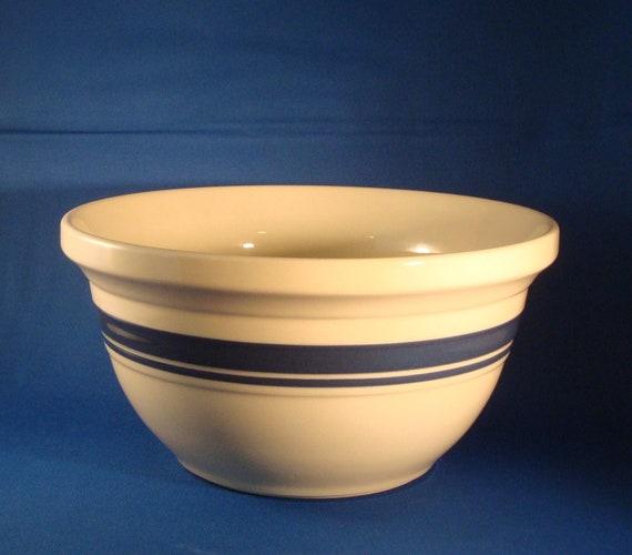 Roseville Pottery 4 Quart Mixing Bowl