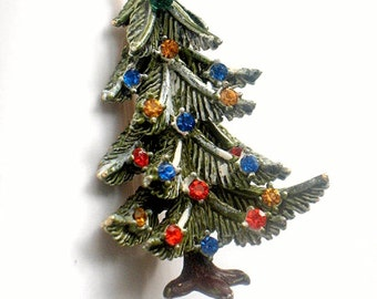 Art Christmas Tree Brooch Snowy Multi Color Rhinestone Holiday Pin Red Blue Yellow Vintage Collectible Jewelry